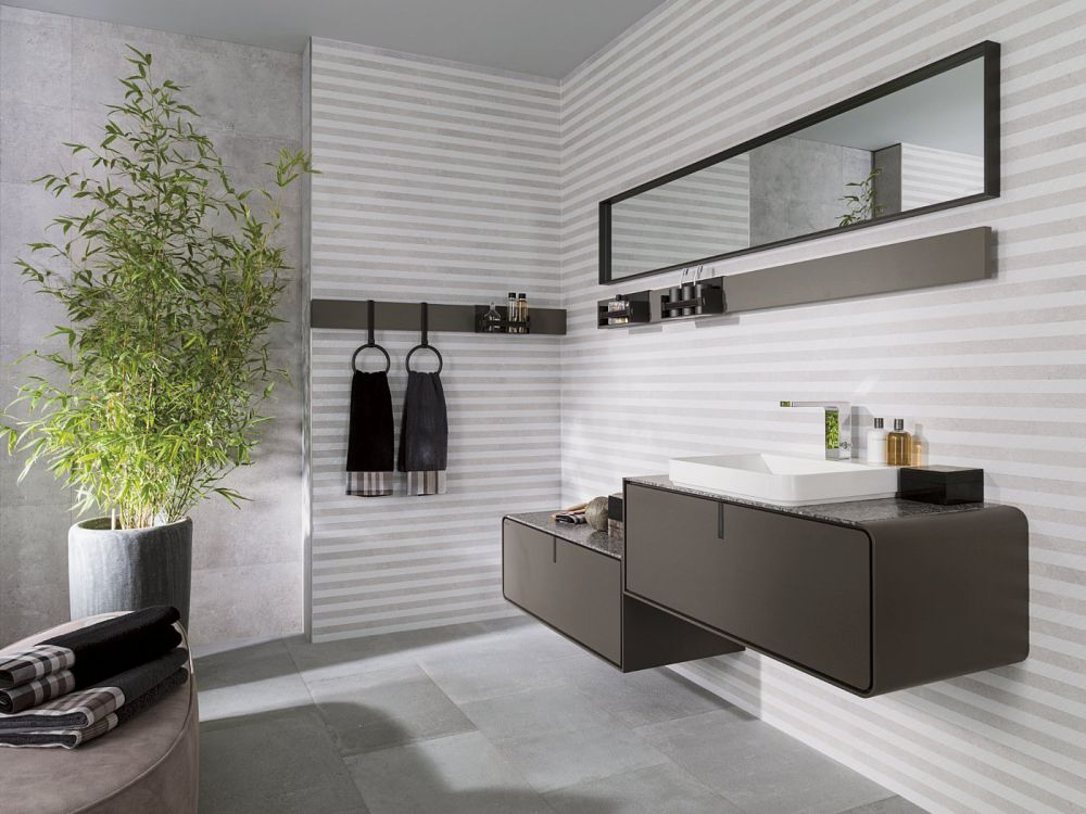 Кафель в полоску для ванной